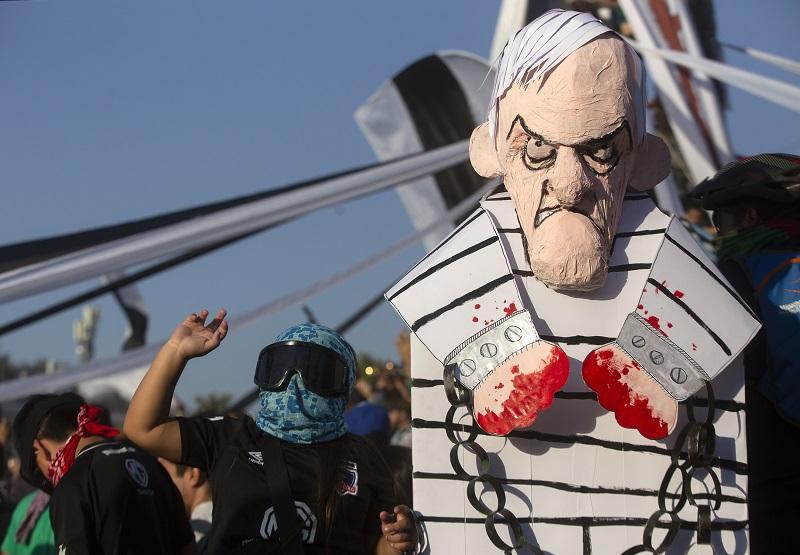Tras 12 semanas de crisis en Chile aprobación de Piñera cae y 62% apoya movimiento social