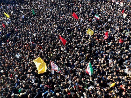 Al menos 32 muertos en estampida durante multitudinario entierro de Soleimani en Irán