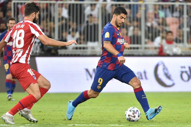 El jugador del Barcelona Luis Suárez estará cuatro meses de baja
