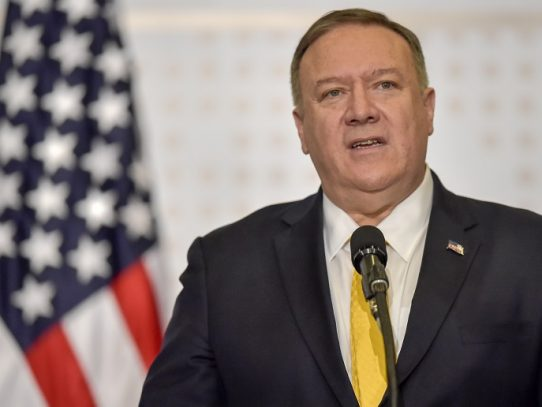 Pompeo reitera que EE.UU. no negociará con Maduro