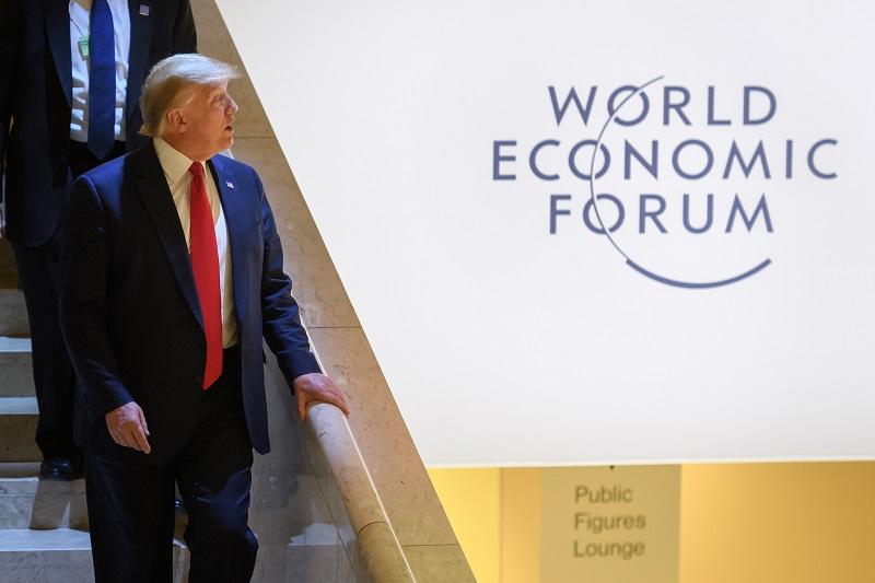 Trump olvida el 'impeachment' bajo el sol invernal de Davos