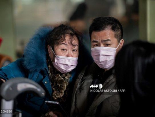 China reporta 258 muertos por coronavirus y aumentan las restricciones de viajes
