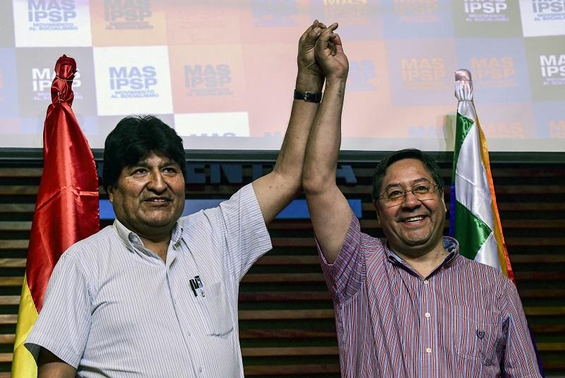 Llega a Bolivia candidato presidencial Luis Arce, delfín de Evo Morales