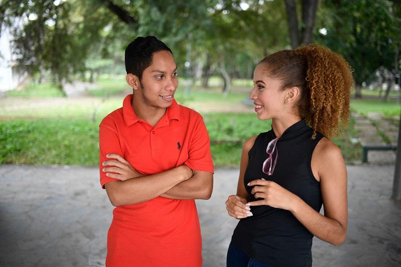 Sin dinero para motel o condones: la crisis restringe sexualidad de jóvenes venezolanos