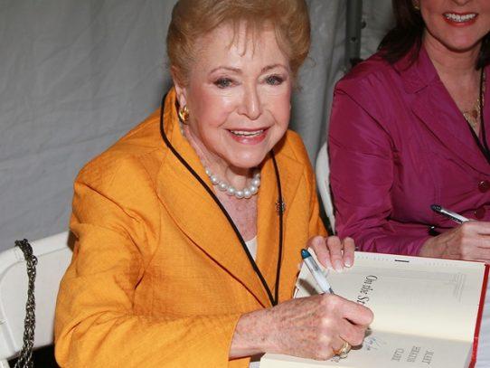 La escritora estadounidense Mary Higgins Clark muere a los 92 años
