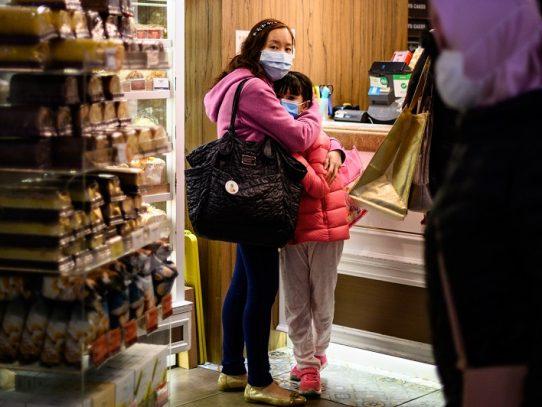 Balance de muertos en China por nuevo coronavirus sube a 717