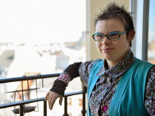 Eléonore Laloux, una joven con síndrome de Down, candidata a las municipales en Francia