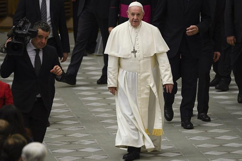 Papa rechaza la ordenación de hombres casados