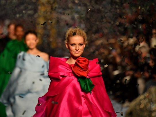 Versiones muy distintas de la feminidad en la Semana de la Moda de Londres