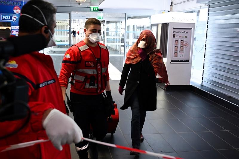 Primer francés muerto debido al nuevo coronavirus