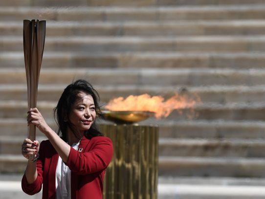 Grecia entrega la llama olímpica a Tokio-2020 sin público