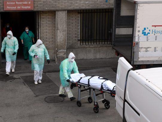 España reporta 769 muertos por coronavirus en un día y ya suma 4.858