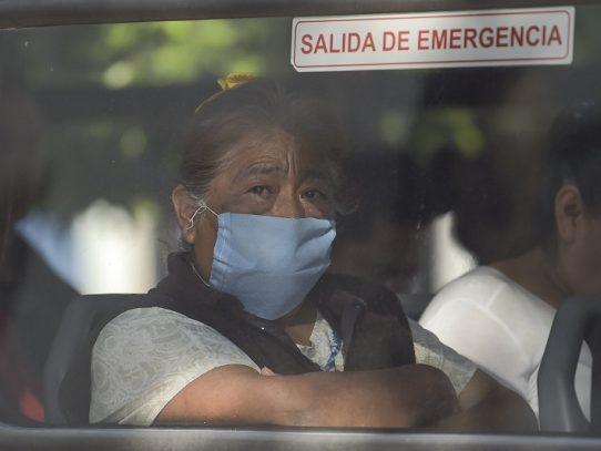 """Presidente de México pide mantener """"sana distancia"""" para evitar expansión de COVID-19"""