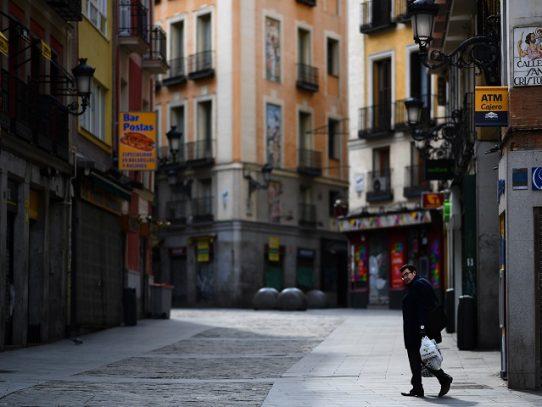 Récord de muertos en España e Italia por la pandemia, que alcanza a Johnson