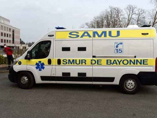 Chofer de autobús en muerte cerebral tras ser agredido por negar entrada a pasajeros sin mascarilla en Francia