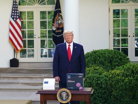 Prueba de COVID-19 elogiada por Trump produciría muchos falsos negativos, según estudio