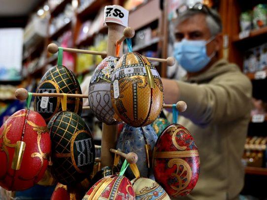Los huevos de Pascua se entregan a domicilio en Roma por el coronavirus