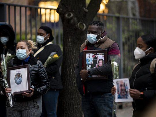 Más de 2.100 muertos en EE.UU. en 24 horas, un récord, según Johns Hopkins