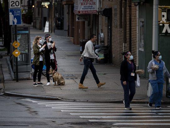 """Más de 10.000 muertos por coronavirus en Nueva York, pero """"lo peor ya pasó"""""""