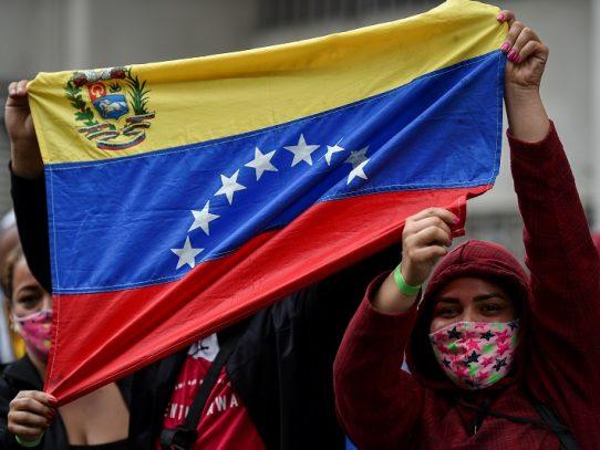 Más filas para poner gasolina que para votar en las parlamentarias de Venezuela