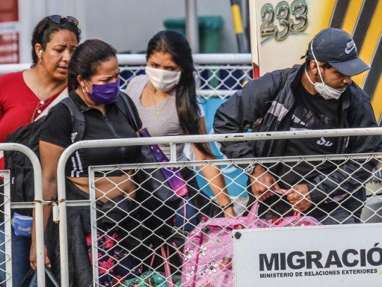 La pandemia precipita el retorno de miles de migrantes venezolanos