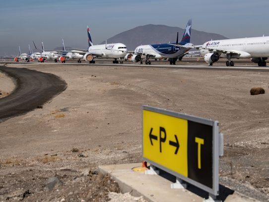 Chile evalúa salvataje a aerolínea LATAM tras declaración de quiebra