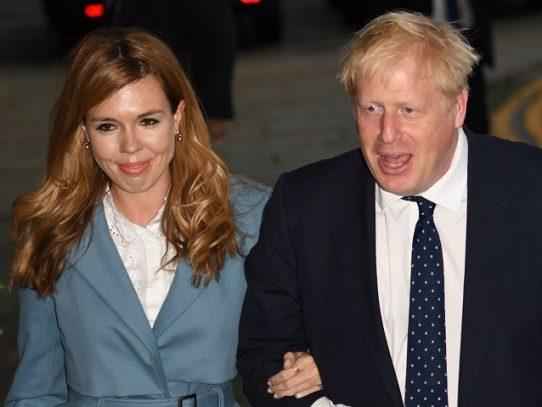 La pareja del primer ministro británico anuncia nombre de su bebé