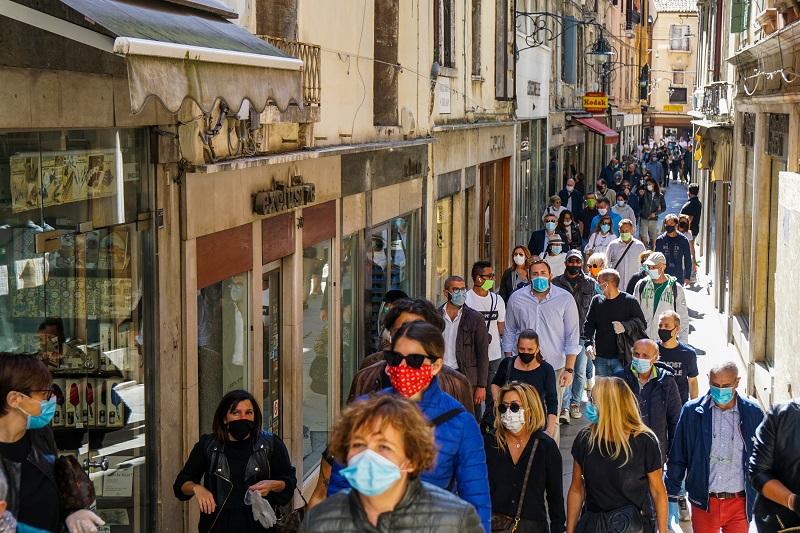 Italia registra el mayor número de muertos en Europa por covid-19 y supera al Reino Unido