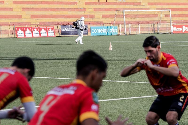 Costa Rica, primer país de América Latina en reanudar su torneo de fútbol