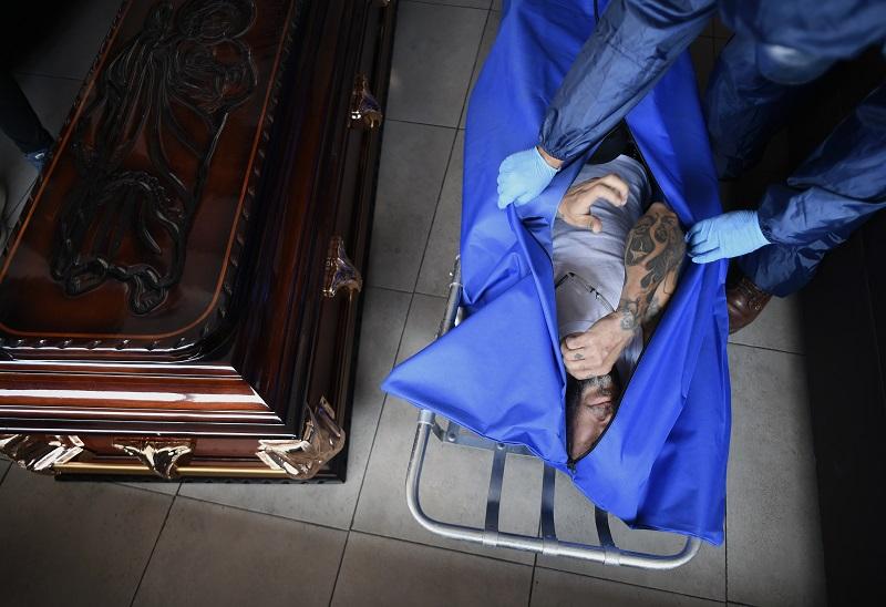 Choque de crudas realidades en el saturado sistema de salud de México