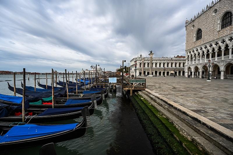 """""""Sin turismo, Venecia es una ciudad muerta"""", lamenta un gondolero"""