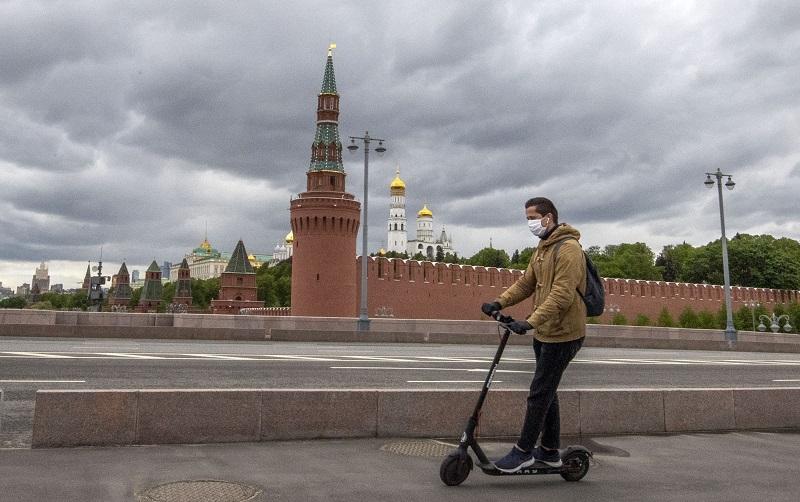Rusia reporta casi 300.000 casos de coronavirus