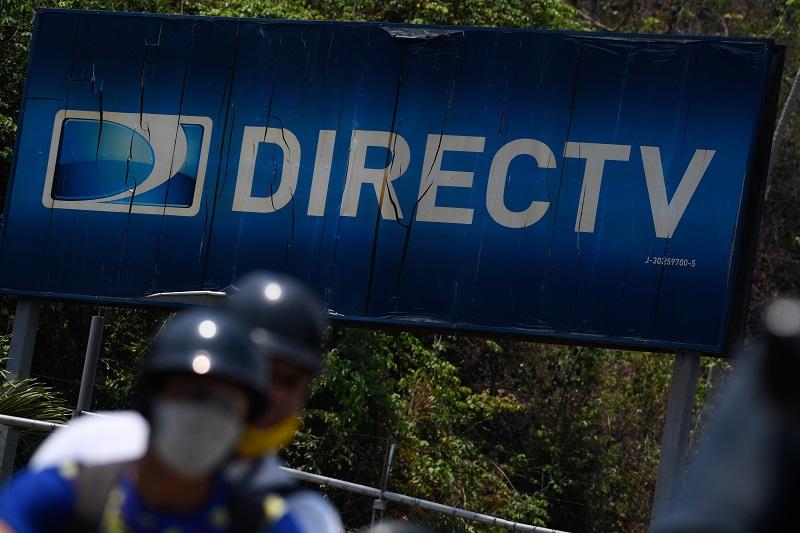 Justicia de Venezuela ordena tomar bienes y equipos de DirecTV en el país