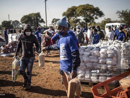 """La OMS está preocupada por la """"aceleración"""" de la epidemia de covid-19 en África"""