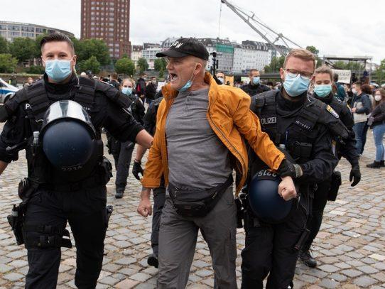 Nuevo sábado de protestas contra el confinamiento en Alemania