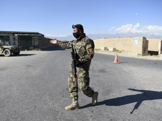 Talibanes proponen negociaciones con condiciones, mientras aumenta la violencia en Afganistán