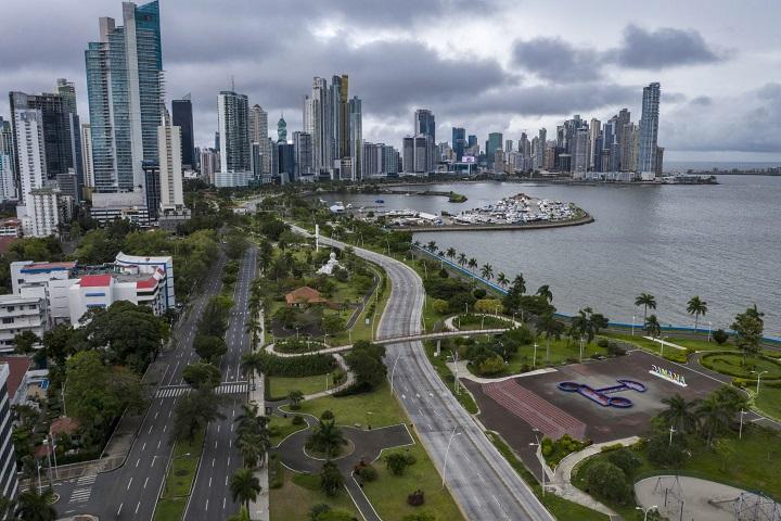 Industrias panameñas diversifican su producción para apoyar  la lucha contra la pandemia
