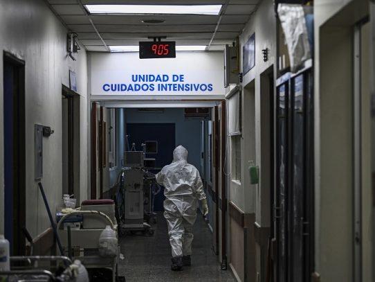 Médicos españoles llegan a El Salvador para combatir la covid-19