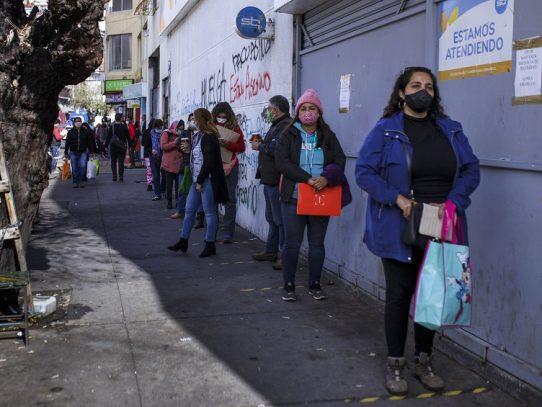 Chile aumenta las ayudas a hogares vulnerables por coronavirus