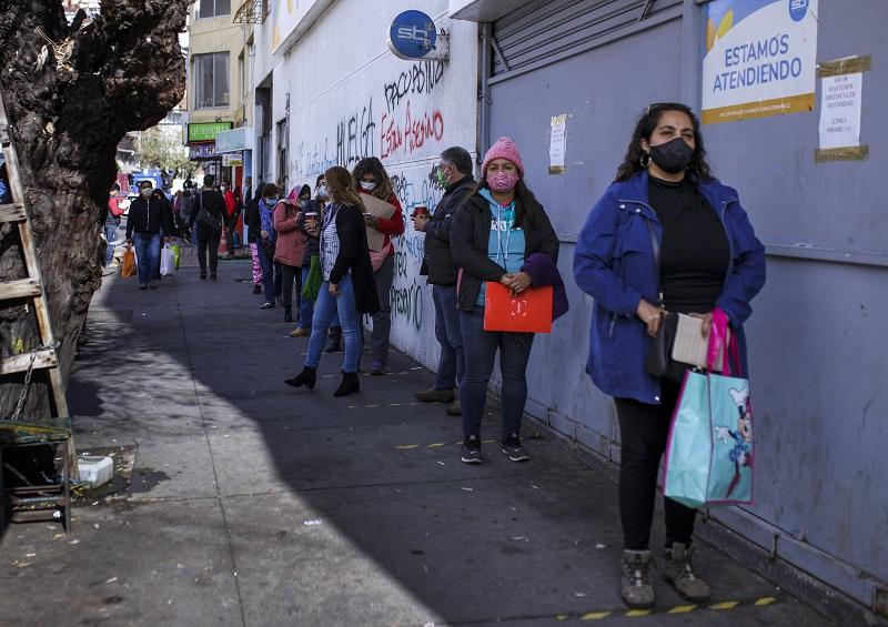 Chile anuncia desconfinamiento paulatino en Santiago ante cifras a la baja