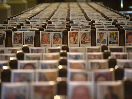 Misa en catedral de Lima sólo con fotos de 6.500 muertos por pandemia en Perú