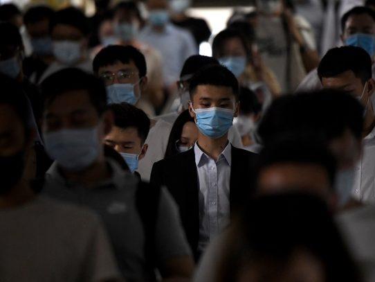 Rebrote de pandemia viral en Pekín: más de 100 casos confirmados, anuncia OMS