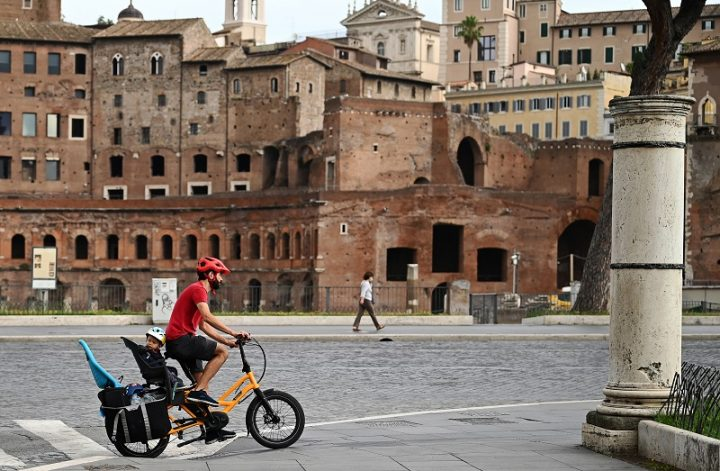 Toque de queda en Italia, que se suma a la lucha europea por frenar el coronavirus