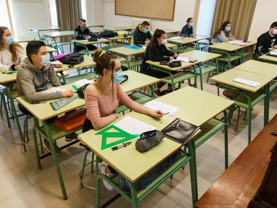 En España, los niños mayores de 6 años deberán llevar mascarilla en la escuela
