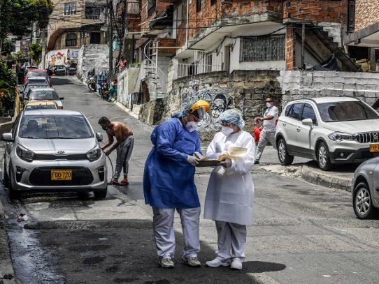 Colombia rebasa los 15.000 muertos y se acerca al medio millón de contagios de covid-19