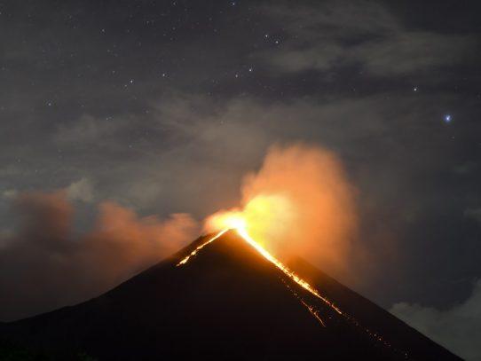 Volcán Pacaya aumenta actividad eruptiva en Guatemala