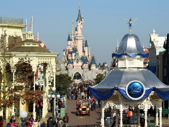 Disneyland París reabrirá progresivamente a partir del 15 de julio