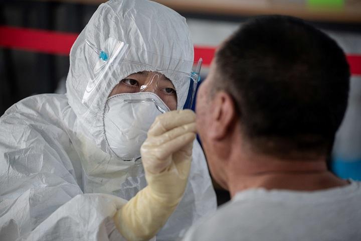 La OMS promete 120 millones de test rápidos para los países pobres