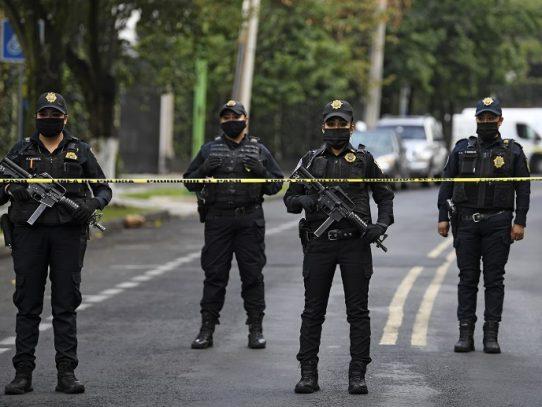 Jefe de seguridad de Ciudad de México sobrevive a atentado que dejó tres muertos