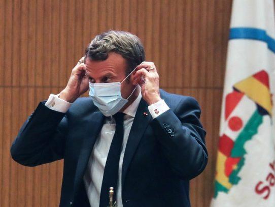 Macron utiliza por primera TikTok para felicitar a los bachilleres